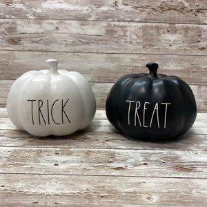 Rae Dunn Halloween Trick Treat Pumpkin Set